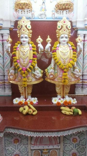 Indore Satsang Mandal Murti Darshan