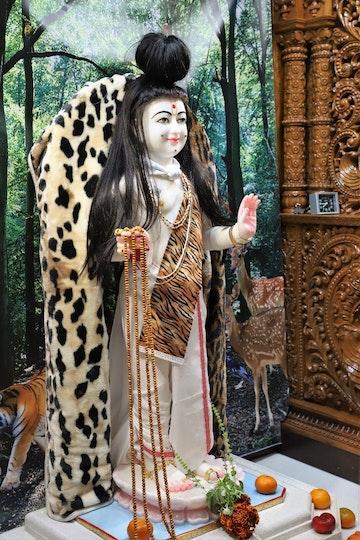 Woolwich Temple Murti Darshan